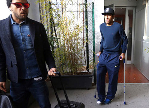 Exames confirmam entorse, e Neymar desfalca Barcelona de 3 a 4 semanas
