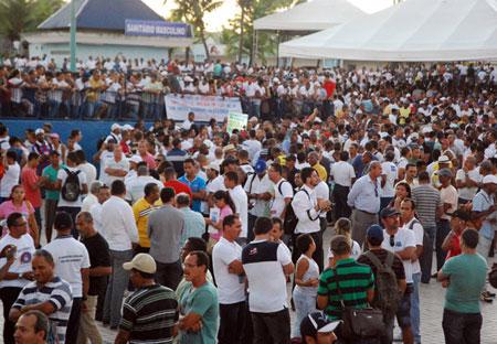 Após acordo, policiais militares decidem encerrar a greve na Bahia
