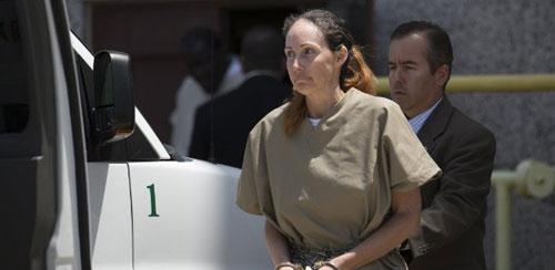 Atriz é condenada a 18 anos por enviar cartas envenenadas a Obama