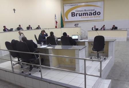 Legislativo brumadense encerra sessões em 2013 aprovando reforma administrativa