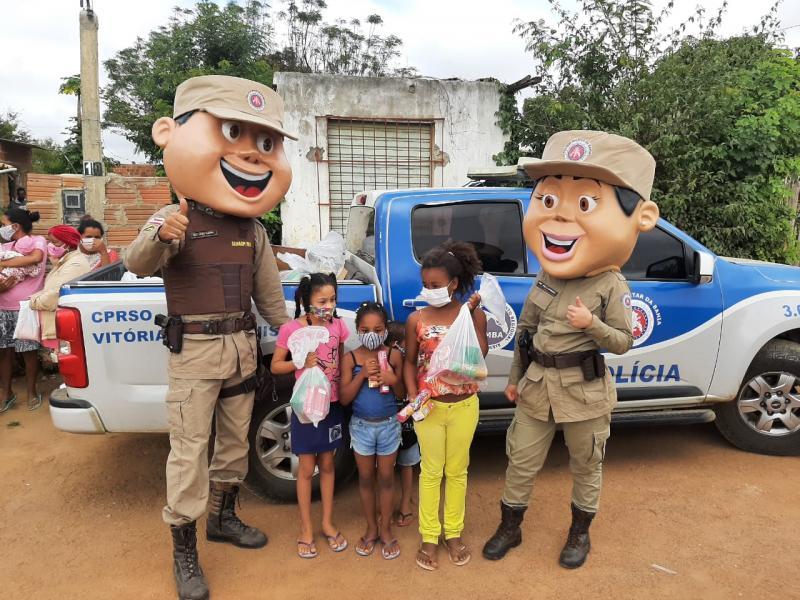 Patrulha Solidária: Cento e cinquenta famílias recebem alimentos e cobertores entregues pela PM