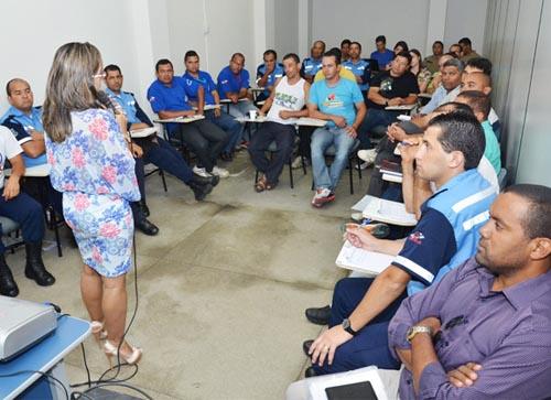 Conquista: Fiscais de trânsito e policiais militares participam de capacitação