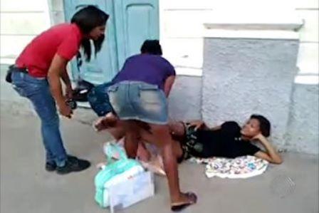 Santo Amaro: 'Salvaram nossas vidas', diz jovem que deu à luz na porta de maternidade