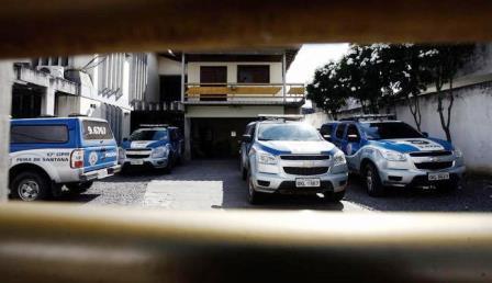 Policiais já estão parados e viaturas foram deixadas nos quartéis
