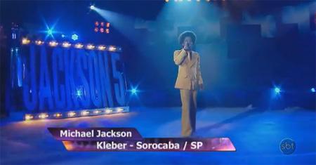 Filho de conquistense incorpora o 'mini' Michael Jackson e vence concurso em programa do SBT