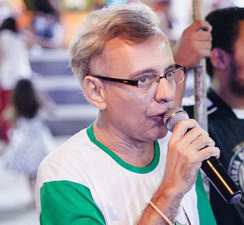 Escritor brumadense demonstra preocupação com o desaparecimento das Abelhas