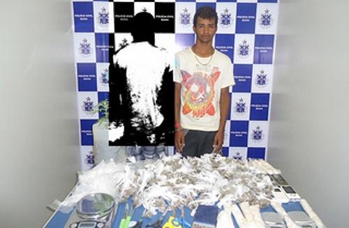 Polícia encontra grande quantidade de drogas em casa de adolescente desaparecido