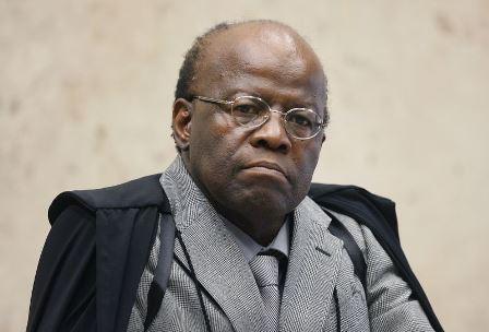 Mensalão: Joaquim Barbosa pode expedir novos mandados de prisão hoje
