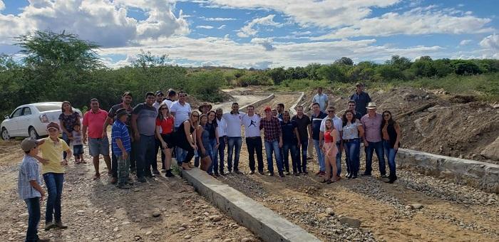 Mirante: Amigos do Areião recebem o deputado Marquinho Viana  que contribui com a construção da passagem molhada