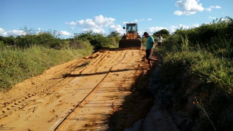 Malhada de Pedras: vereadores da situação contribuem para que obras continuem sendo realizadas  no município