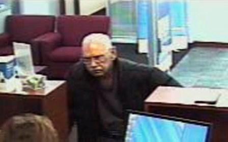 Saudades da cadeia: 'vovô do crime' rouba banco para ser preso
