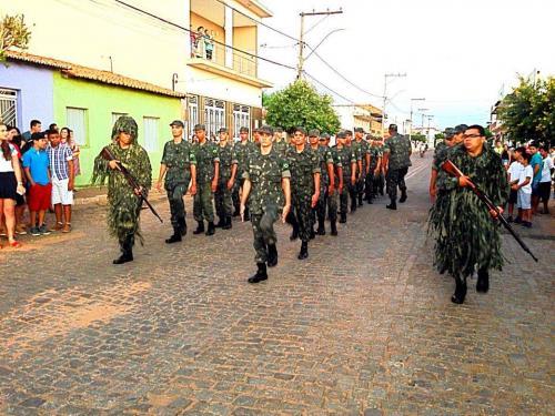 Tiro de Guerra de Brumado participou das comemorações do aniversário de Dom Basílio
