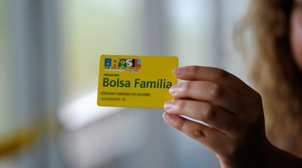 Governo reajusta Bolsa Família em 5,67%