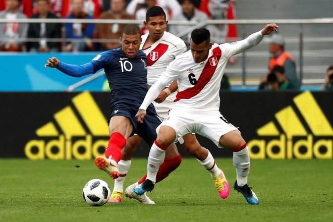 França vence Peru e está classificada para as oitavas de finais da copa