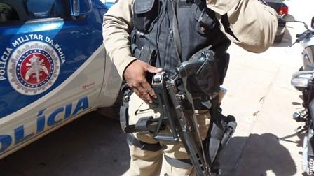Policia Militar age rápido e consegue recuperar veiculo roubado no Bairro Malhada Branca