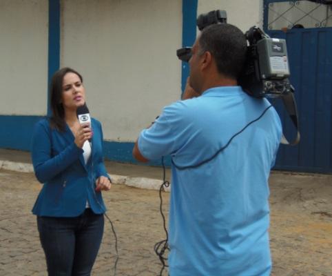 Após repercussão do crime ocorrido em frente a escola CMEAS TV Sudoeste grava matéria na cidade