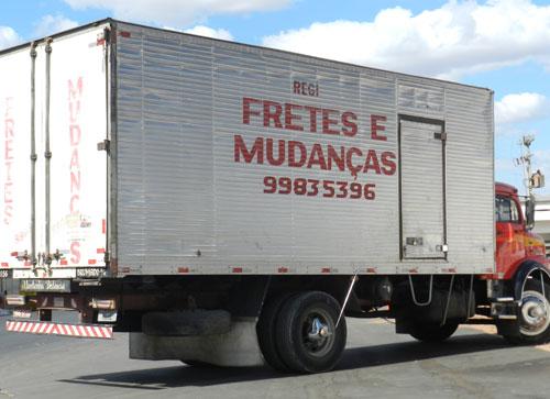 MUDANÇAS E FRETAMENTOS SEM DOR DE CABEÇA E COM PONTUALIDADE