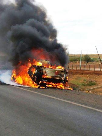 Ambulância que transportava pacientes para Irecê pega fogo na BA-052