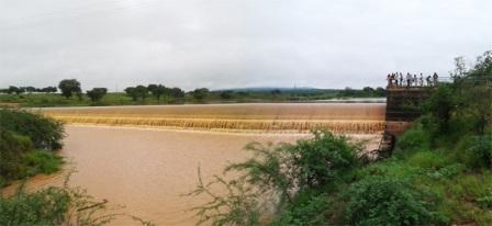 """Barragem de Malhada de Pedras """"sangra"""" após quase 3 anos seca"""