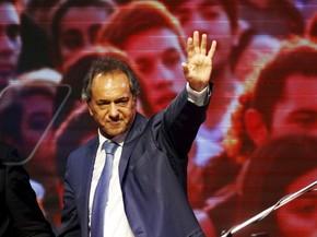 Scioli e Macri disputarão segundo turno na Argentina