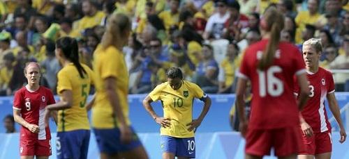 Canadá derrota o Brasil e fica com o bronze do futebol feminino
