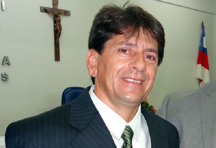 Prefeito de Aracatu, Sérgio Maia convida a toda população para participar da entrega de uma máquina perfuratriz na sexta (23); haverá show