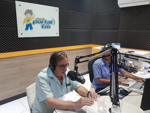 Livramento: Dr. Carlos Batista concede entrevista e fala sobre saúde e política