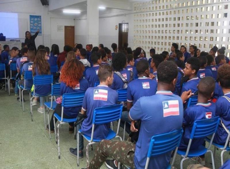 Governador debate com prefeitos critérios para retorno às aulas presenciais na Bahia