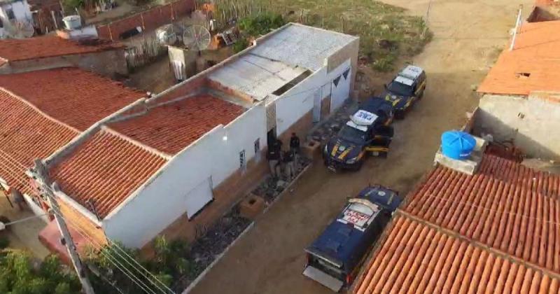 Doze pessoas são presas em operação do Ministério Público contra tráfico na Bahia