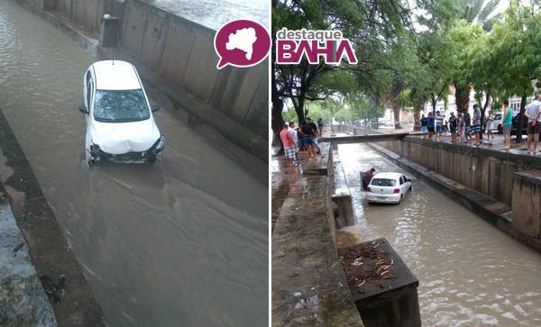 Após manobra perigosa veículo cai em 'Canal da Feira' em Guanambi