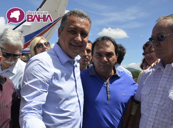 Presidente da Câmara de Tanhaçu participa de recepção ao governador em Brumado