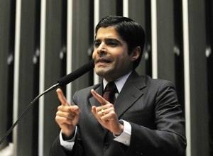 ACM Neto quer chapa com Souto ao governo e Geddel ao Senado