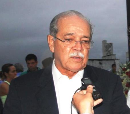 Ministro César Borges passa por Brumado e prefeito faz solicitações