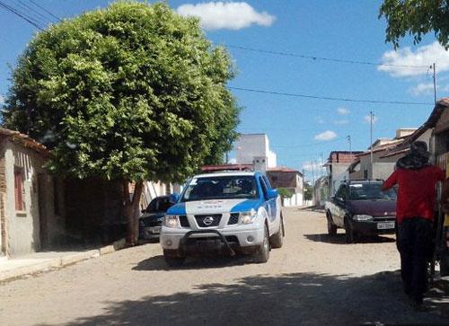 Depois de tiroteios e boatos de homícidio, polícia faz ronda e abordagens bairros Bom Jesus e Urbis II
