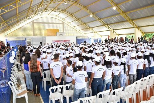 Quase mil alunos participam da formatura do Proerd em Guanambi