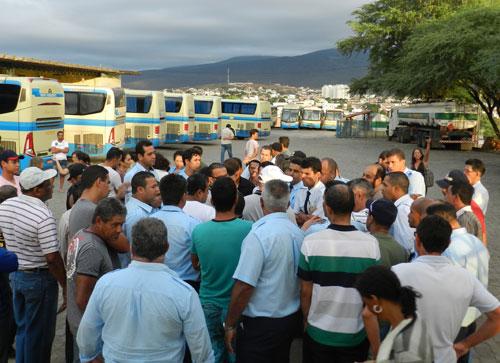 Empresa Novo Horizonte: Funcionários estão paralisados e sindicato cobra uma resposta