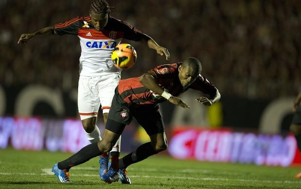 Chutes potentes selam empate entre Furacão e Fla no primeiro jogo da final