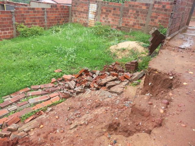 Chuva frequente tem provocado desabamentos na cidade