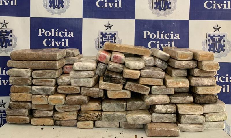 Bahia: 90 kg de maconha são encontrados em carro adaptado para ser utilizado como ambulância
