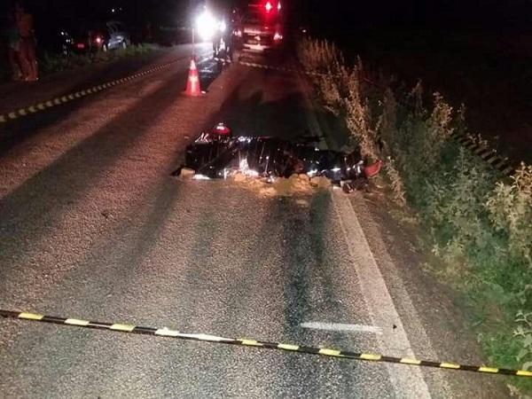 Mulher morre após moto colidir contra animal em trecho de Ituaçu