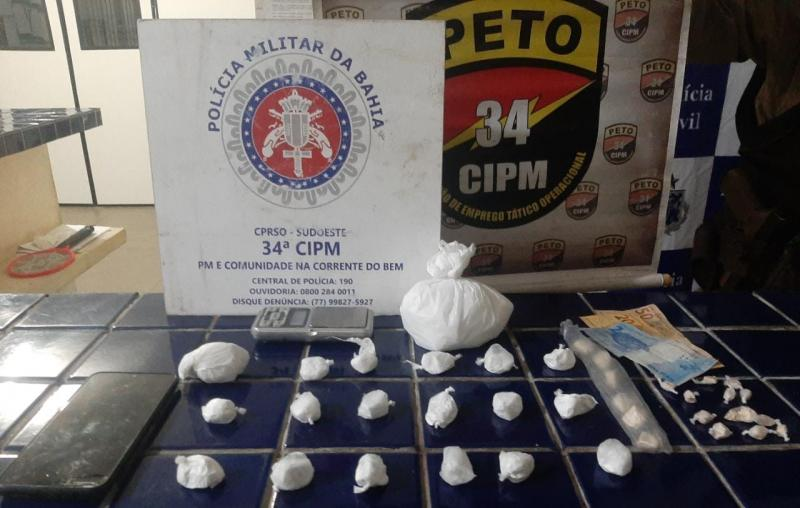 Polícia apreende droga com passageiros de táxi em Brumado