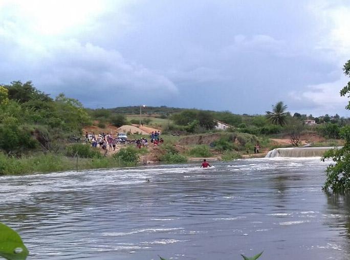 Brumadense morre ao ser arrastado por correnteza; corpo foi resgatado por brigadista de Ituaçu e bombeiro civil de Barra da Estiva