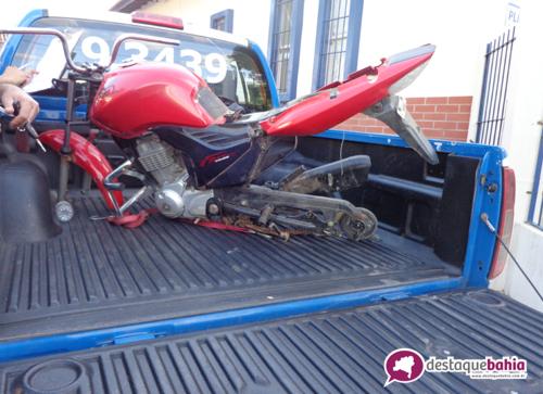 Policia recupera moto roubado próximo de uma fábrica de benenficiamento
