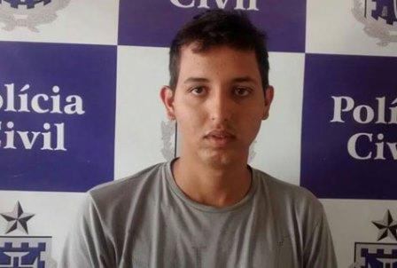 Indivíduo procurado pela policia brumadense se entrega na delegacia de Guanambi