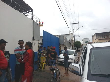 Distribuidora de bebidas no centro da cidade é alvo dos bandidos