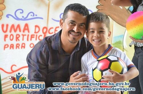 Prefeito de Guajeru realiza projeto para as crianças