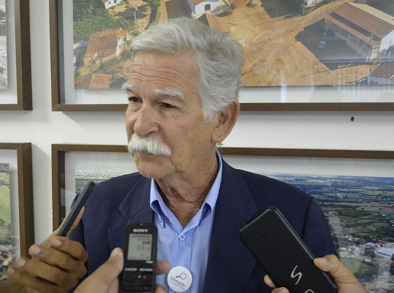 Prefeito diz que quer universalização do sistema de água em Brumado e torce para que a Embasa seja vencedora do certame