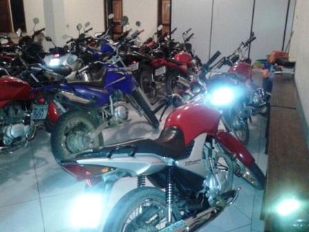 Macaúbas: 4ª CIPM dá continuidade a Operação Trânsito Legal e faz apreensões de 19 motos irregulares.