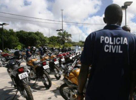 Policiais civis aprovam indicativo de greve e paralisação de 48h
