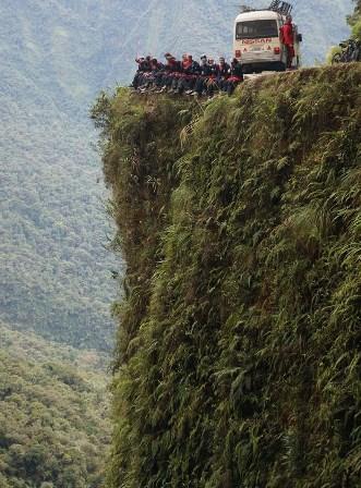 Bolívia: Estrada 'mais perigosa do mundo' é atração turística